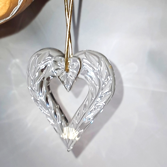 Mikasa crystal heart ornament